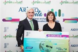 Aristo Pharma dona 10.000 euros a Juegaterapia para la construcción de un nuevo 'Jardín de mi Hospi'