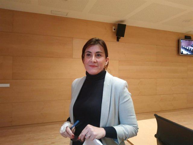 La socialista Ana Sánchez, al término de la Comisión de Investigación de las Eólicas.
