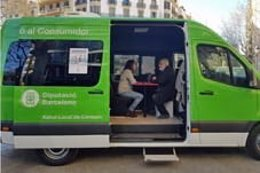 Las Unitats Mòbils d'Informació al Consumidor (UMIC) de la Diputación de Barcelona visitan las poblaciones en las que no hay un servicio municipal de consumo.