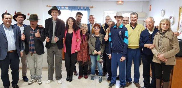 Visita de la consejera de Igualdad, Políticas Sociales y Conciliación, Rocío Ruiz, junto con el delegado territorial de Cádiz, Miguel Andréu, al cuarteto 'Merda, merda, mucha merda' de El Puerto de Santa María