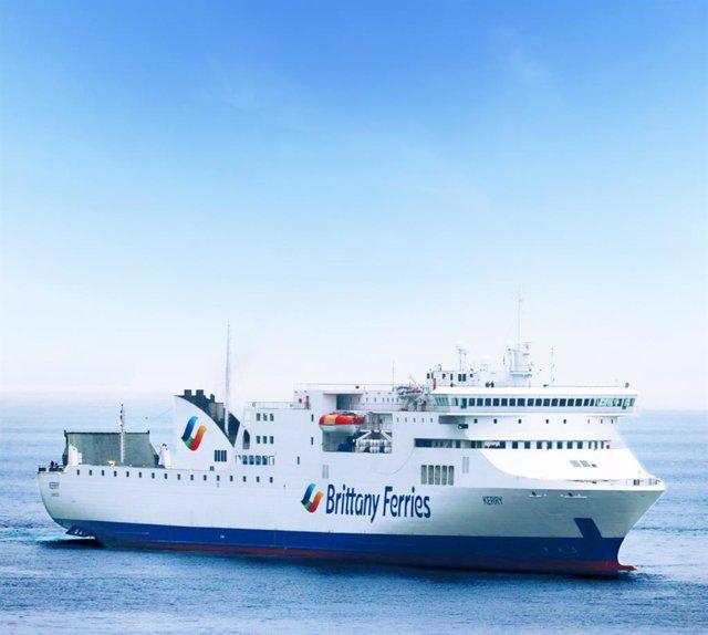 Barco de Brittany Ferries que realiza la ruta Santander-Cork