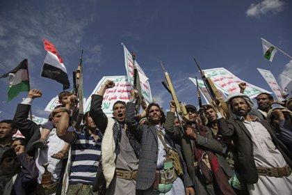 Los huthis aseguran haber atacado instalaciones petroleras y aeropuertos en Arabia Saudí desde Yemen