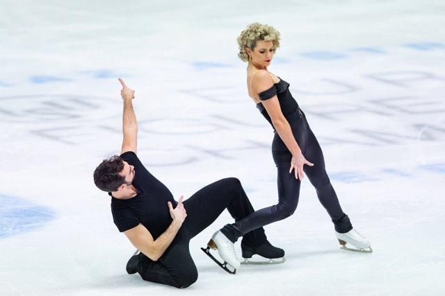 Los patinadores españoles Olivia Smart y Adrián Díaz