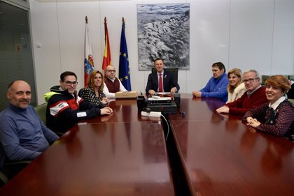 Blanco garantiza que el Gobierno seguirá apoyando al sector agroalimentario