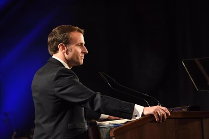 """Macron acusa a Turquía de injerencia en Libia y de enviar """"mercenarios sirios"""" al país"""