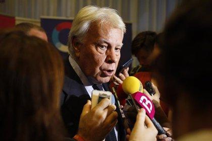 """Felipe González, sobre si Delcy Rodríguez debería haber sido deportada: """"No debía haber pasado por aquí"""""""