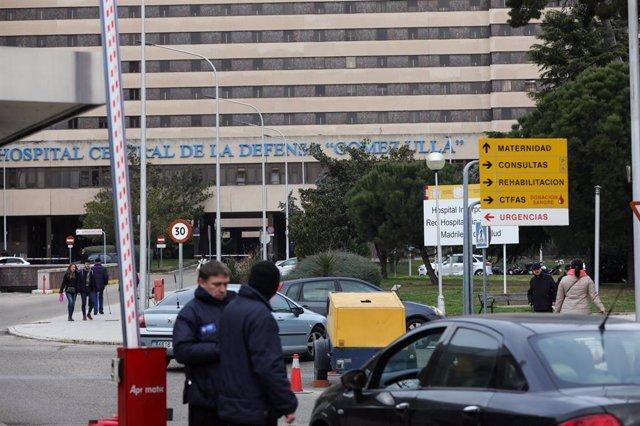 Puerta de acceso al recinto del Hospital Gómez Ulla de Madrid.