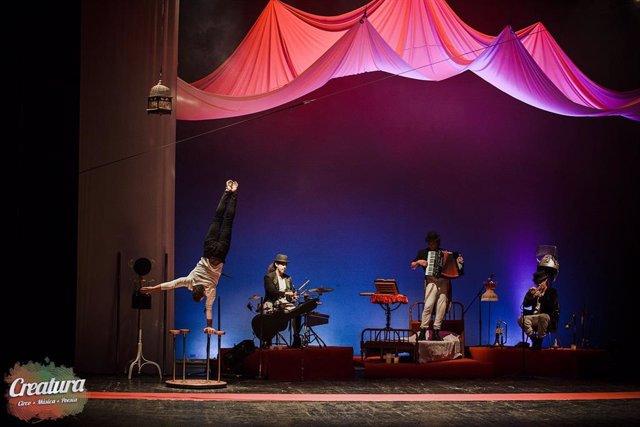 Nota Sobre Espectáculo De Circo En El Teatro Cánovas