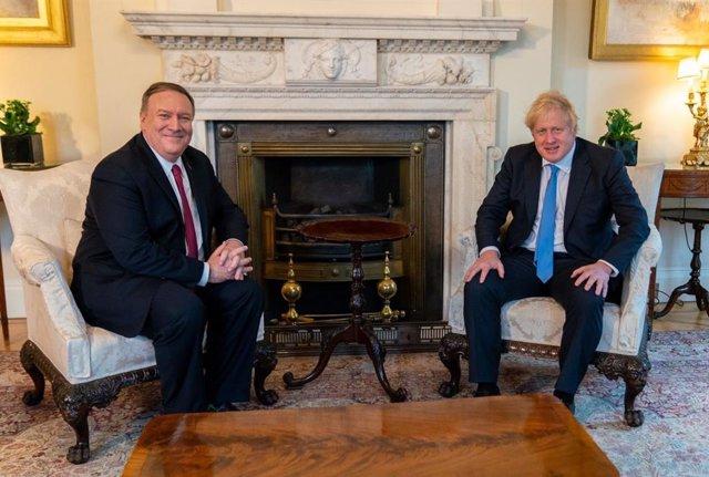 El primer ministro británico, Boris Johnson, y el secretario de Estado norteamericano, Mike Pompeo.