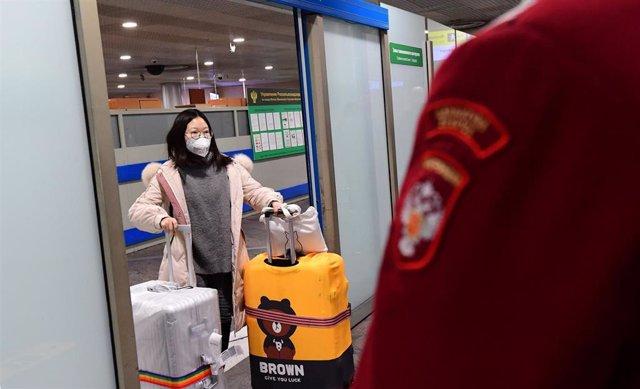 Control sanitario en el aeorupuerto de Sheremetievo, en Moscú