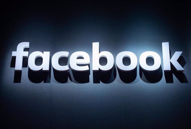 FILED - 22 August 2018, Cologne: The logo of Facebook is pictured at the Gamescom video games fair. Photo: Christophe Gateau/dpa