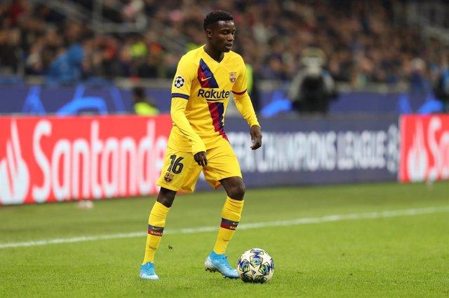 Fútbol.- El Barça manda a Wague al Niza