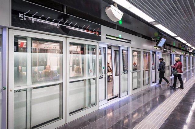 Andana de la L9 del Metro de Barcelona (arxiu)