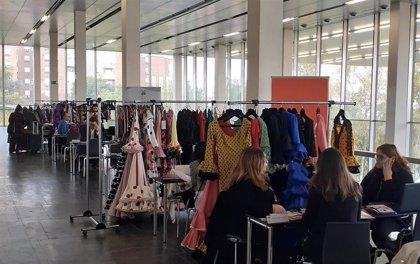 Más de una veintena de firmas de moda flamenca promocionan sus diseños ante ocho países en Simof con Extenda
