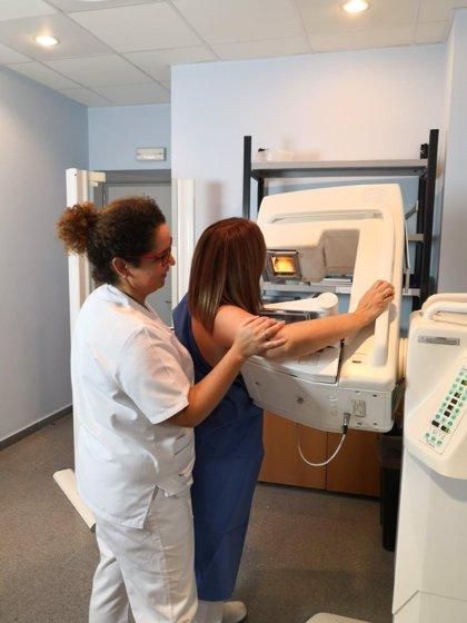 Más de 6.300 extremeñas se someterán a mamografías en febrero con el programa de detección precoz del cáncer de mama