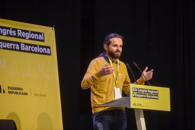 El diputat d'ERC al Congrés dels Diputats i recentment elegit president d'ERC-Barcelona, Gerard Gómez del Moral, davant el 62è Congrés Regional d'ERC Barcelona.