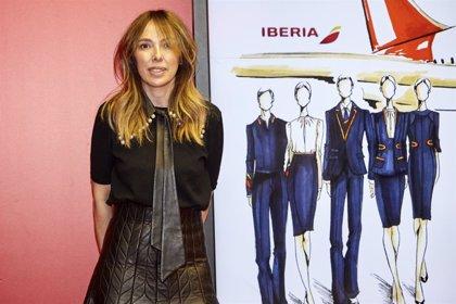 Iberia presenta en la Mercedes-Benz Fashion Week Madrid los nuevos uniformes de la aerolínea.