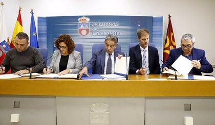 """El Gobierno confía en que el diálogo social propicie una Cantabria """"más próspera y cohesionada"""""""