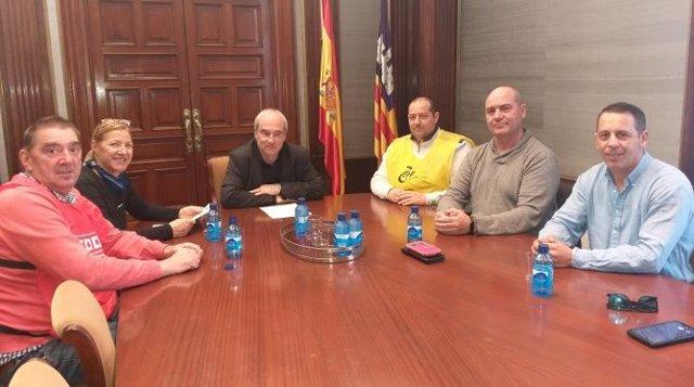 Los sindicactos CCOO, CSIF y Alternativa Sindical en una reunión con el delegado del Gobierno en Baleares en funciones, Ramon Morey.