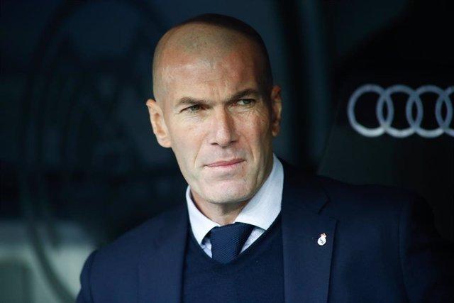 """Fútbol.- Zidane: """"No me gusta señalar a Isco y Kroos, pero tenía que cambiar alg"""