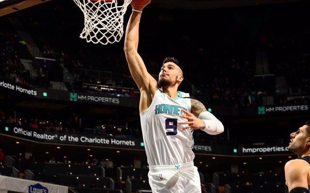 Baloncesto/NBA.- Willy Hernangómez anota 10 puntos en otra derrota de los Hornet