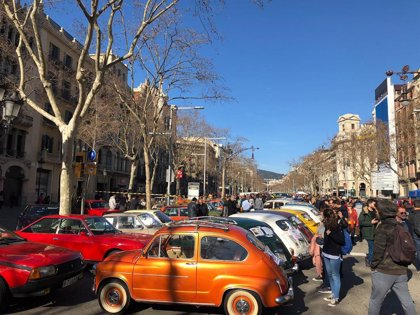 Unos 3.000 turismos y 500 motos se concentran en Barcelona contra la Zona de Bajas Emisiones