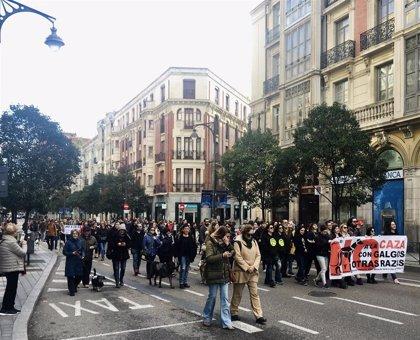 """Más de un centenar de personas reclama en Valladolid """"políticos valientes"""" que erradiquen la caza """"de raíz"""""""