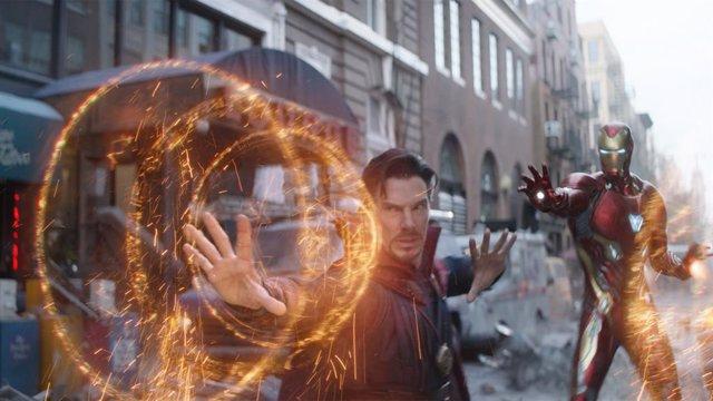Doctor Strange y Iron Man en Vengadores: Infinity War