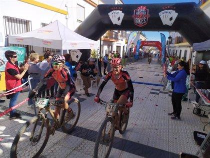 Las parejas José Carlos y Francisco Macías e Irina Coelho y Natalia Mendes ganan el IV Desafío Andévalo 2 Bikes