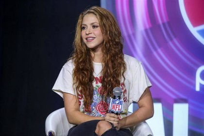 Shakira cumple 43 años alejada de Piqué pero con Jlo como mejor regalo