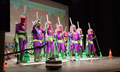 Teatro Apolo de Almería vive una de sus noches de cuartos más diversas, con grupos de Serón, Málaga, Torrevieja y Jaén