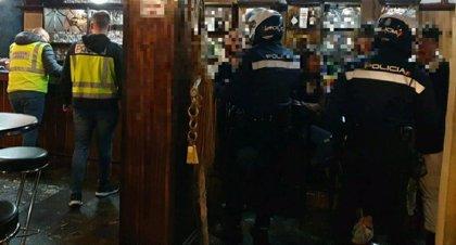 Un detenido por reclamación judicial en un operativo policial en locales de ocio de Palma