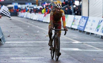 Remontada de Felipe Orts para ser decimocuarto en el Mundial de ciclocross