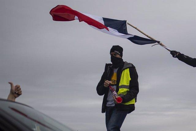 Francia.- Polémica en Francia tras la entrada de antidisturbios en una iglesia d