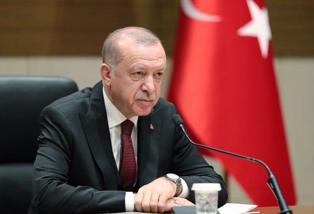 AMP.-Siria.-Erdogan amenaza con responder a cualquier ataque de las fuerzas de A