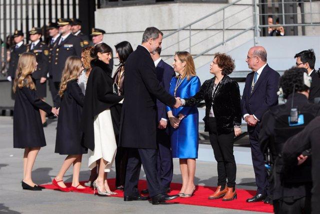 """AV.- El Rey, en la apertura de las Cortes: """"España no puede ser de unos contra o"""