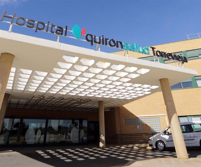 Acceso principal del Hospital Quirónsalud Torrevieja, de archivo.