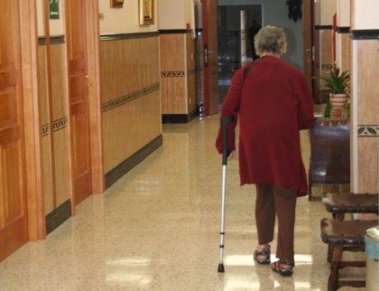 Rescinden contrato a la gestora de tres residencias de mayores en Madrid por incumplimientos graves