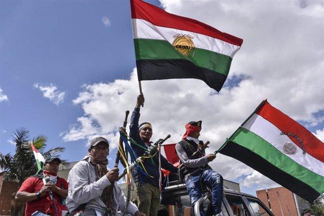 Indígenas participan en una manifestación em Bogotá contra el Gobierno de Iván Duque