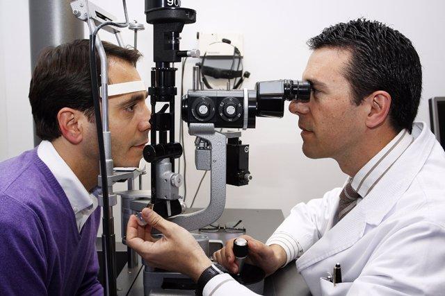 Consulta oftalmológica. Visión. Miopía