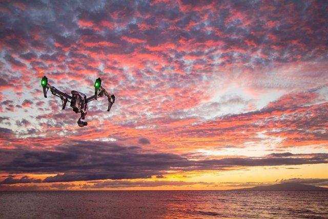 China pone en marcha drones para medir la temperatura de las personas en cuarent