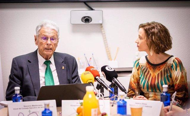 El vicepresidente de AECC, Antonio Llombart,  y la gerente Helena Alloza