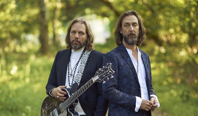 Rich y Chris Robinson (The Black Crowes)