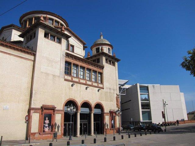 L'Institut del Teatre i el Mercat de les Flors de Barcelona (arxiu).