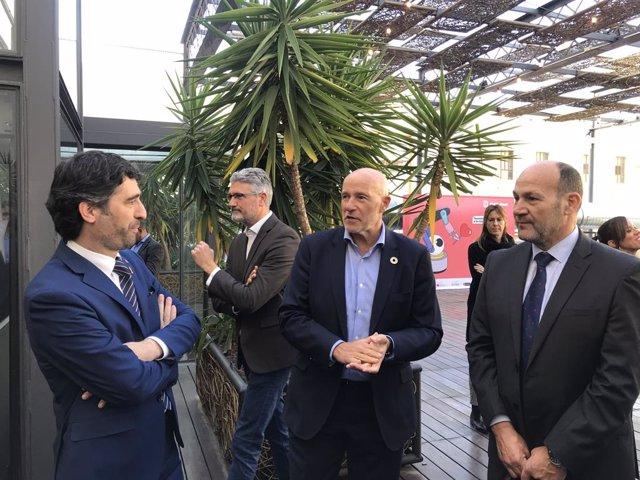 El conseller Jordi Puigneró i el conseller delegat de l'MWCapital Carlos Grau en la presentació de la Mobile Week