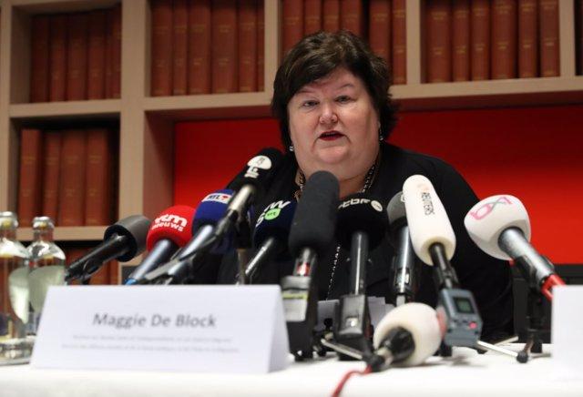 La ministra de sanidad belga, Maggie De Block en una rueda de prensa informando del primer caso de Coronavirus en el país