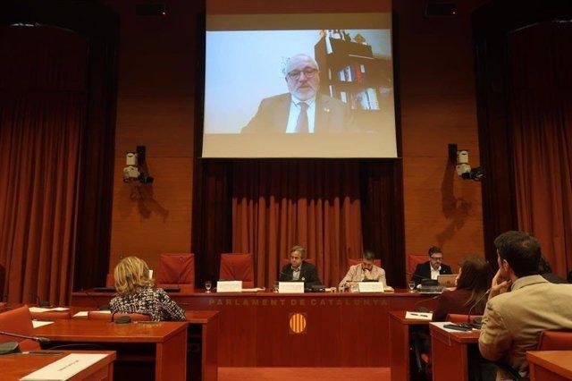 Lluís Puig en la comissió del 155 al Parlament