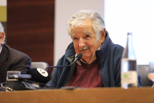 """Mujica advierte sobre un posible """"holocausto ecológico"""" pero cree que """"hay esper"""