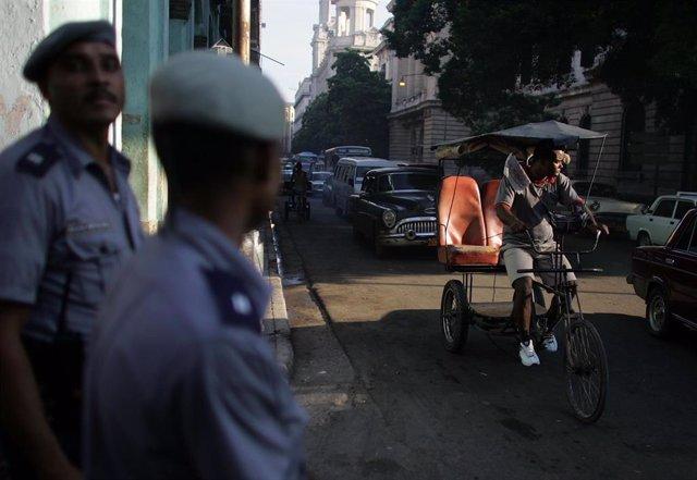 Policía en La Habana