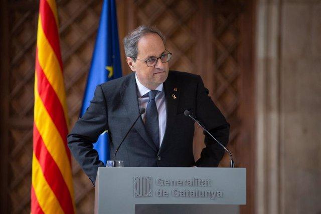 El presidente catalán, Quim Torra, durante su comparecencia  en el Palau de la Generalitat para valorar la inhabilitación a la que ha sido condenado este jueves por el Tribunal Superior de Justicia de Cataluña por en Barcelona, a 19 de diciembre de 2019.